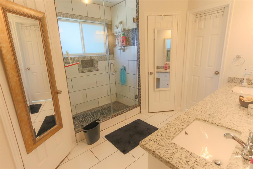 Creek Glen Drive Houston TX HARcom - 10000 usd bathroom remodel