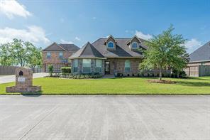 11234 Kings Point Drive, Mont Belvieu, TX 77535