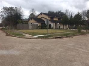 10934 Sagebluff Drive, Houston, TX 77089