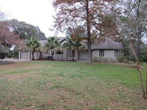 1055 Lions Park Dr., Garwood, TX 77442