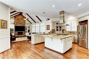 How divine is this!  Kitchen offers the perfect use of space and is open to the family room.