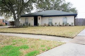 6034 hoover street, houston, TX 77092