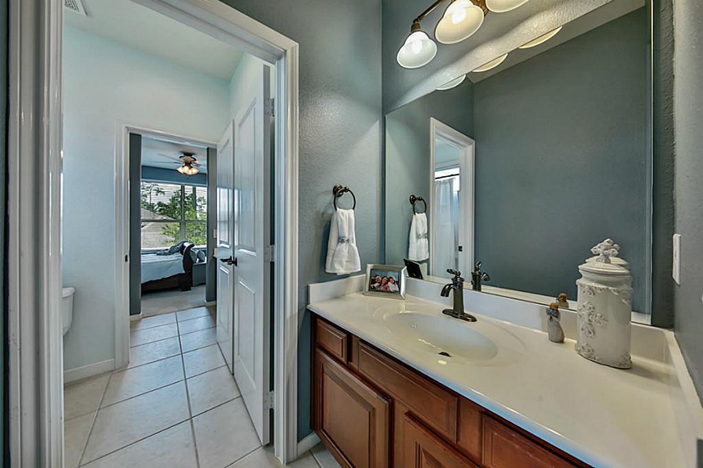 13906 Lake Benbrook Drive, Houston, TX, 77044 | Greenwood King ...