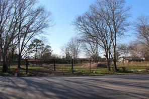 5617 s acres, houston, TX 77048