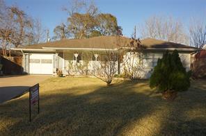 6826 sharpcrest street, houston, TX 77074