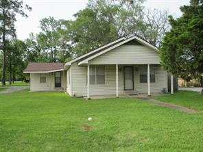 1003 e houston street, cleveland, TX 77327