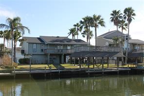 780 Marlin Street, Bayou Vista, TX 77563