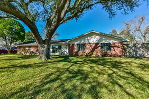 305 e oak street, deer park, TX 77536