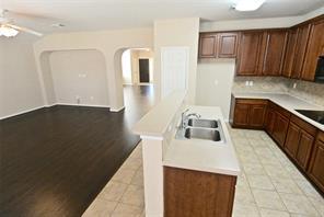 7602 Crestbrook Manor Lane, Cypress, TX 77433