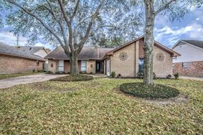 9115 woodleigh drive, houston, TX 77083