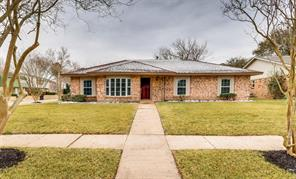 5803 silver forest drive, houston, TX 77092