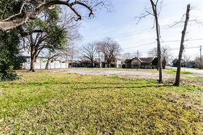 1307 roosevelt street, houston, TX 77012