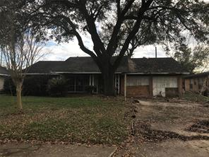 5850 thrush, houston, TX 77033