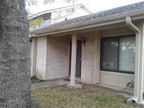 10375 huntington place drive #375, houston, TX 77099