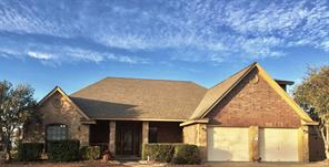 100 hancock street, clute, TX 77531