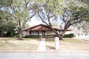 1705 neuman street, gonzales, TX 78629