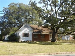 1806 9th, hempstead, TX 77445