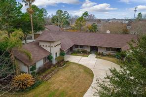 1208 Pine Hollow Drive, Friendswood, TX 77546