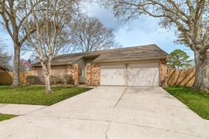 2814 woodhall court, league city, TX 77573