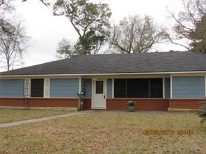 2105 e fayle street, baytown, TX 77520