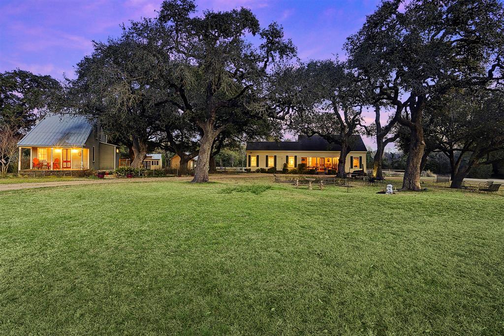 509 N Live Oak Street, Round Top, TX 78954