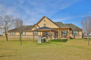 17551 mathis road, waller, TX 77484