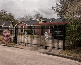 12307 steeple lane, houston, TX 77039
