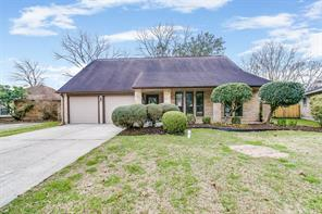 423 Forest Hills Drive, League City, TX 77573