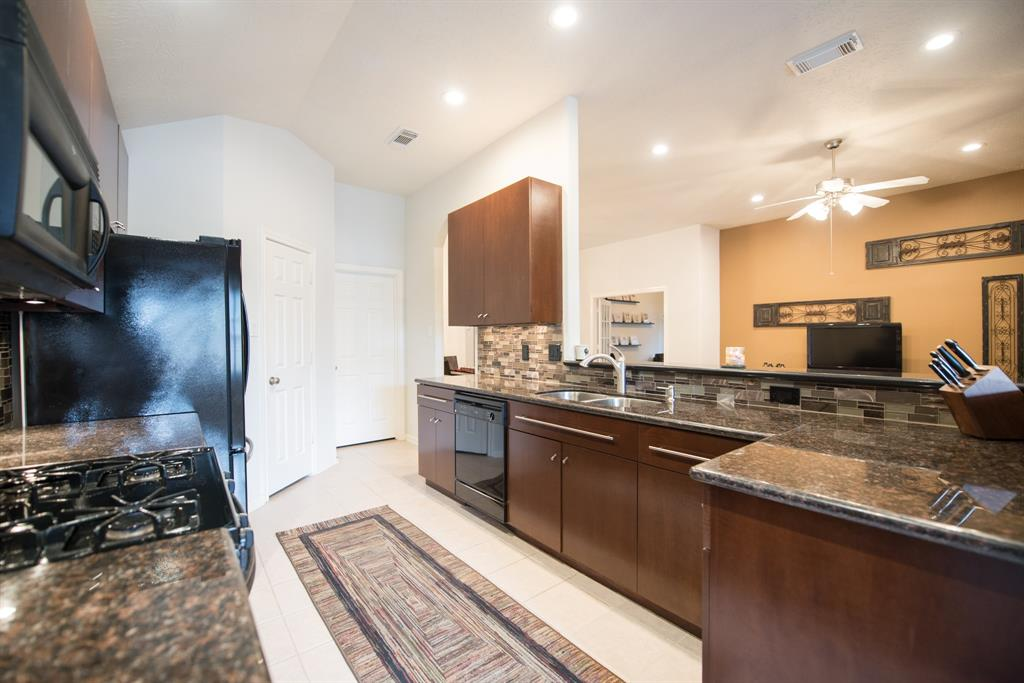 15830 Collinsville Drive, Tomball, TX 77377