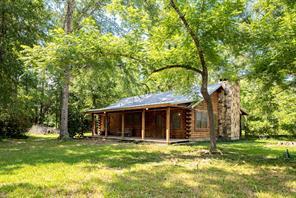 822 county road 4416, spurger, TX 77660