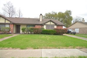 3815 Quiet Place, Houston TX 77082