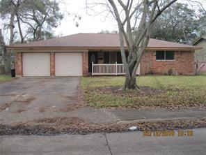 225 pine street, lake jackson, TX 77566