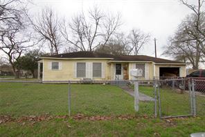 217 briarwood drive, baytown, TX 77520