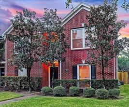 926 Heights Hollow, Houston, TX, 77007