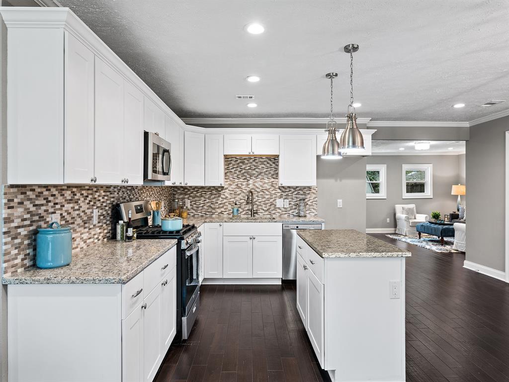 1855 Nina Lee Lane, Houston, TX, 77018   Greenwood King Properties