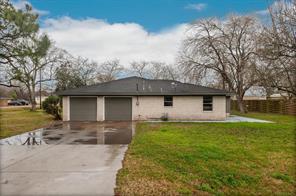 2505 Texas, Dickinson TX 77539