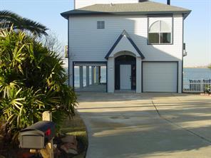1310 Leilani Drive, Tiki Island, TX 77554