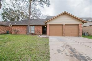5611 greenhill forest drive, houston, TX 77088
