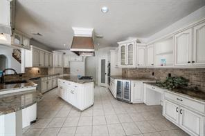 Spacious kitchen with an abundance of storage!  Great for entertaining.