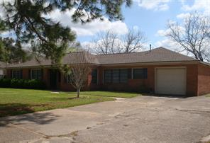 1906 horn road, bay city, TX 77414