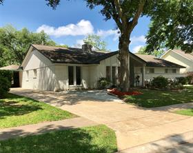 Houston Home at 331 Bayou View Drive El Lago , TX , 77586-6103 For Sale
