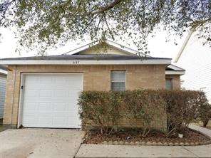 2127 whittier drive, houston, TX 77032