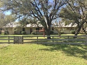 2908 County Road 438, Yoakum TX 77995