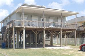406 beach drive, surfside beach, TX 77541