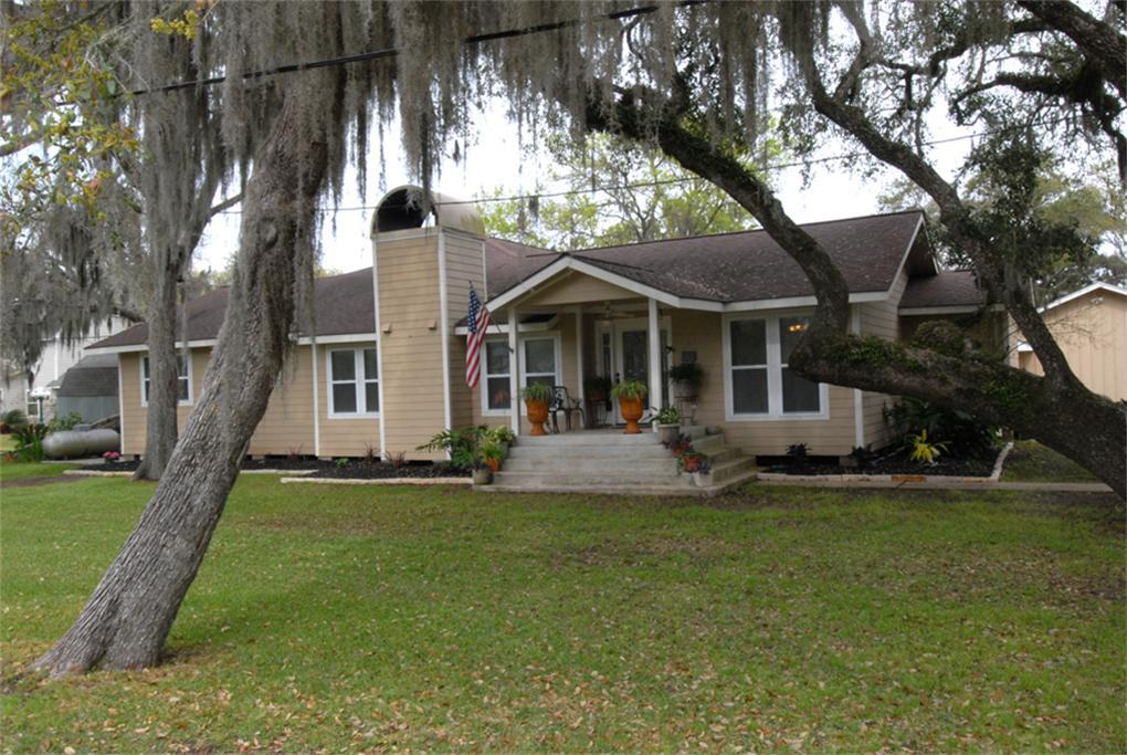 219 PR 652 Live Oak Bend, Sargent, TX 77414