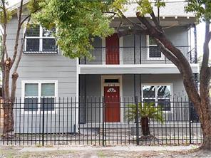 6716 sherman street, houston, TX 77011