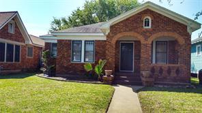4705 Woodrow, Galveston TX 77551
