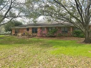 305 County Road 893, Angleton TX 77515