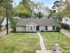 5935 foresthaven drive, houston, TX 77066