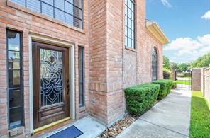 8015 oakwood garden street, houston, TX 77040